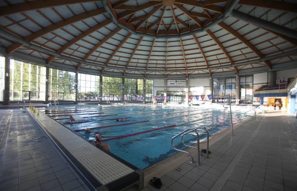 La fundaci n municipal de deportes reabre la piscina for Piscina can drago horarios